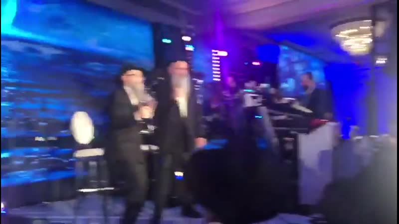 Watch MBD And Avruham Freid Perform Lonely People Together With The Shira Choir The Freilach d