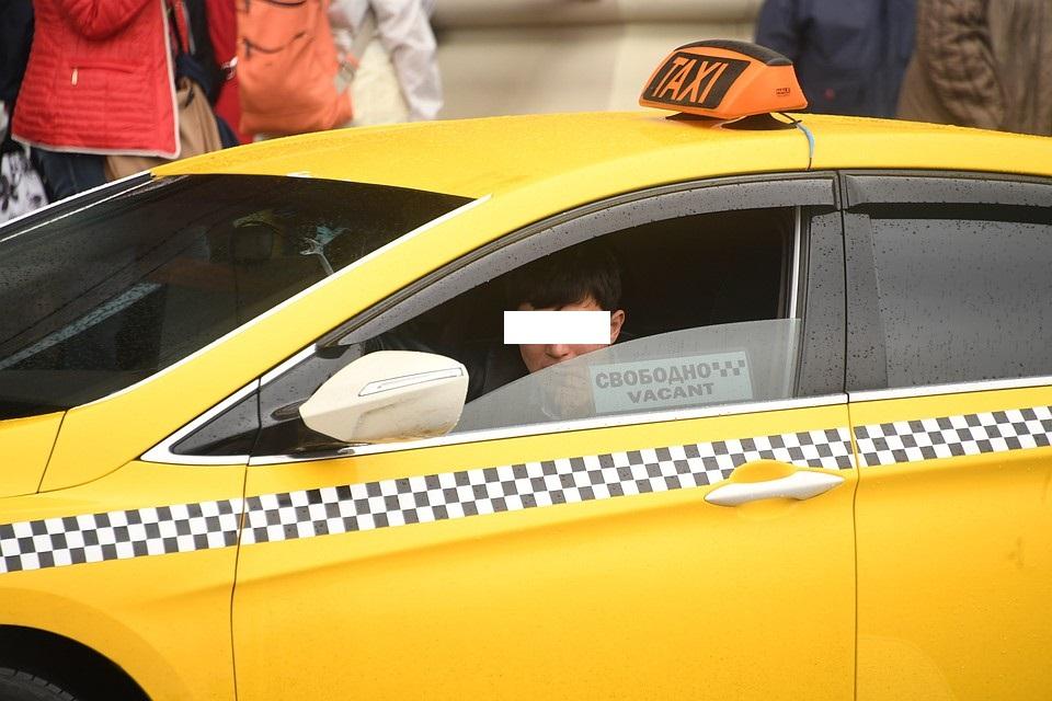 В Черкесске таксист пытался совратить 14-летнего мальчика