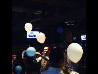poppinballoons up in hurrrr...$4K worth of balloons being popped