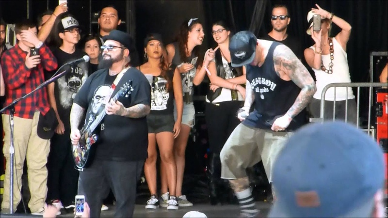 P.O.D - Youth Of The Nation 10172015 LIVE @ Buzzfest 34
