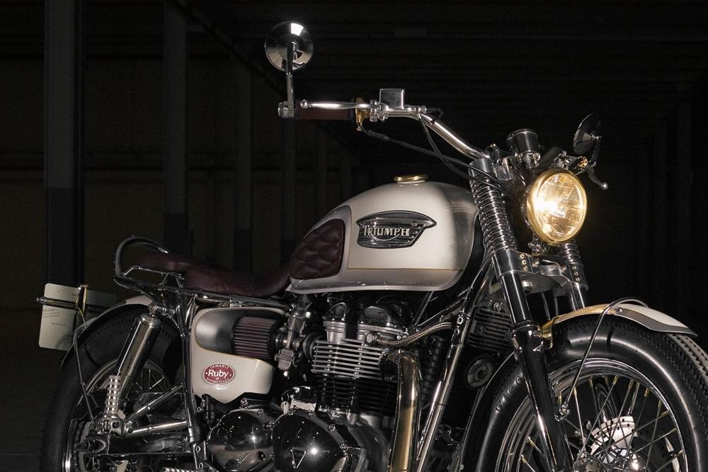 Tamarit Motorcycles: Кастом Triumph Bonneville #43 Ruby