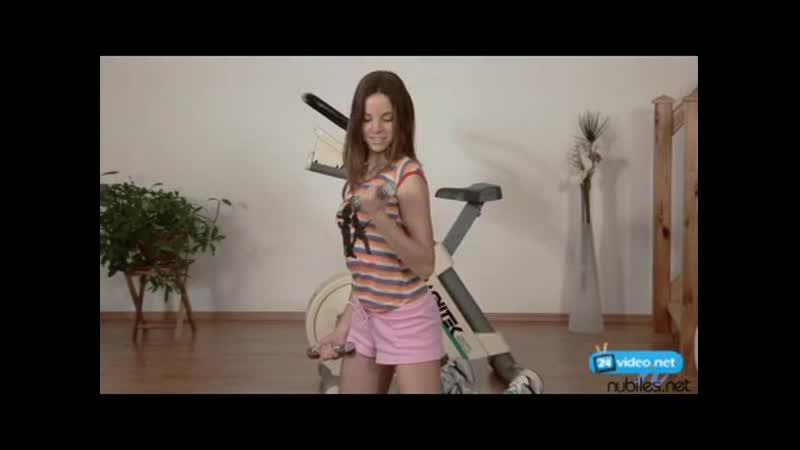 Devichi yunye zabavy belinda exercise