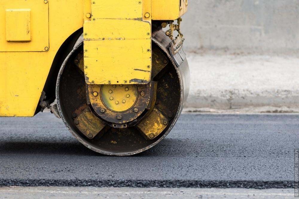На томские дороги укладывают меньше бракованного асфальта