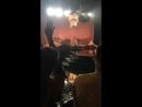 Ариана Гранде и Мак Миллер слушают выступление Рианны на MTV VMA 2016