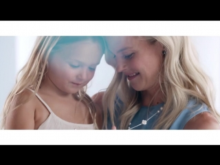 Swarovski presents Karlie Kloss and a cast of influential women in the 2018 Mother's Day Campaign.mp4