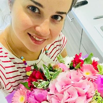 Аня Бурлакова