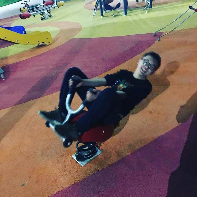 Nuransar, 17, Astana