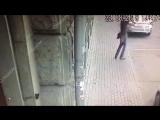 Вооружённое нападение на полицейских в Москве попало на видео