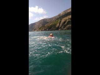 Катались на каяках и купались в открытом море.