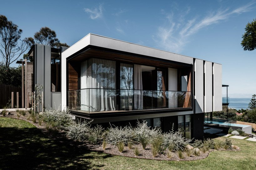 Megowan architectural's two angle house in Australia responds to its corner site