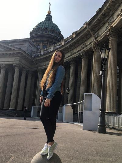 Наташа Фетисова