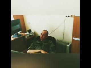 Солдат спи-служба идет