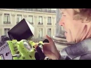 @michaelbay, показывая свою собственную RED-камеру