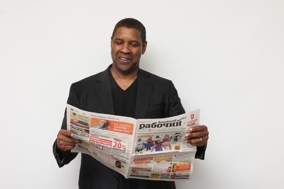 Газета «Копейский рабочий» опубликовала новую порцию фоток голливудских звёзд с их изданием.