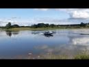 Риф Тритон 420 и Меркури F9.9, 209 кубов. За рулём парень 9 лет, учится управлять лодкой.