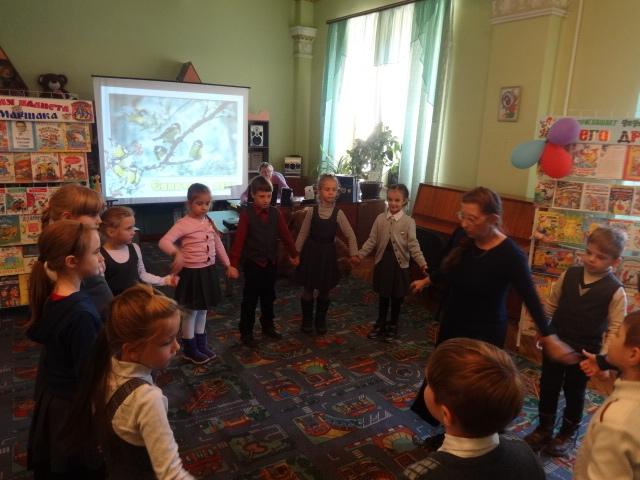 Донецкая республиканская библиотека для детей, синичкин день, отдел обслуживания дошкольников и учащихся 1-4 классов, помощь птичкам в холода