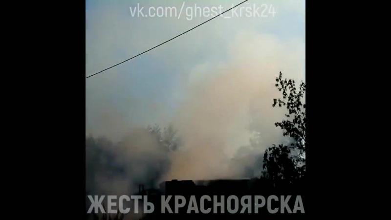 В Красноярске поджигали пух а сожгли гараж и сарай