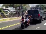 Huskies ride on motocycle HD-хаски на мотоцикле_HD.mp4