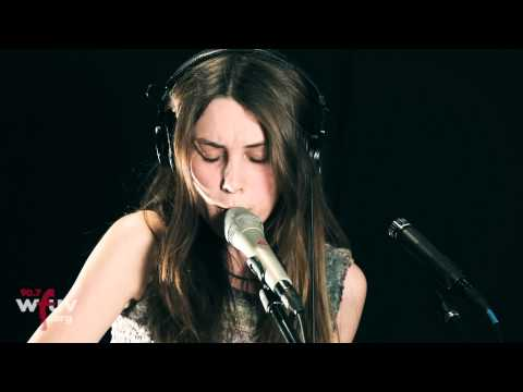 Wolf Alice - Moaning Lisa Smile (Live at WFUV)