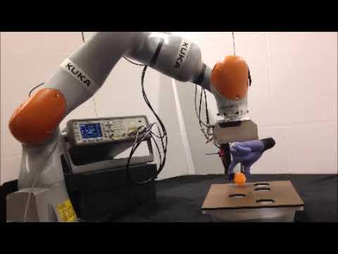 В Стэнфорде разработали перчатку, которая дает роботам чувство осязания
