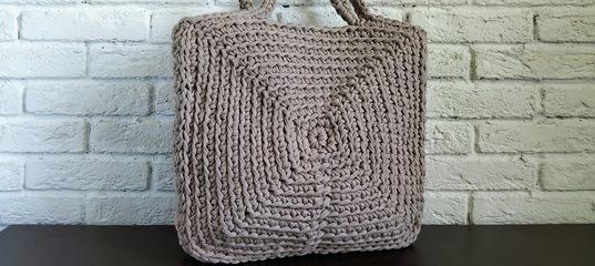 9585bbec8f7d Сумка из трикотажной пряжи квадратная. Вязание крючком. Square bag of T  Shirt yarn Crochet youtu.be