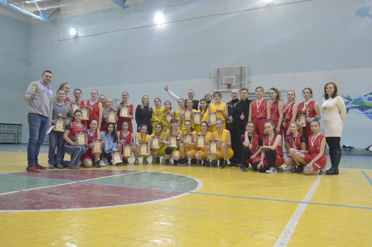 В Донецке прошли финальные игры Первенства Школьной Баскетбольной Лиги среди сборных команд юношей и девушек