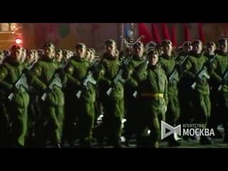 На Красной площади прошла первая ночная репетиция парада Победы