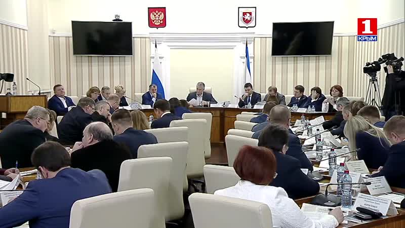 Правительство Крыма утвердило комплекс мер по поддержке ЮНАРМИИ