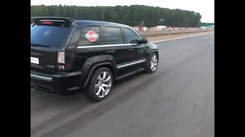 Пожиратель бензина Jeep Grand Cherokee SRT 8 kompressor, 7 ми литровый