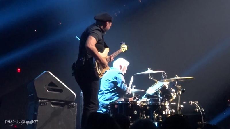 Q ueen Adam Lambert - Drum Battle Under P ressure - P ark Theater - Las Vegas - 9.21.18