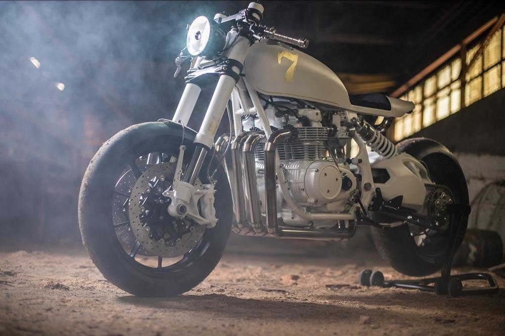 Duke Motorcycles: Кафе рейсер Honda CB500