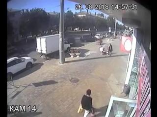 🔥❗Велосипедист сбил женщину около центрального рынка 26.08.2018 года. Женщина лежит в больнице, была сделана операция. Может кто