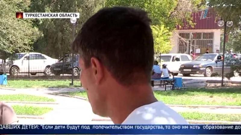 Родительская халатность: женщина оставила троих детей в машине на солнцепеке