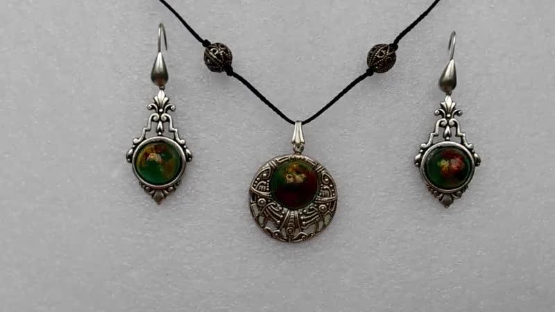 Украшение из эпоксидной смолы jewelry made of epoxy resin