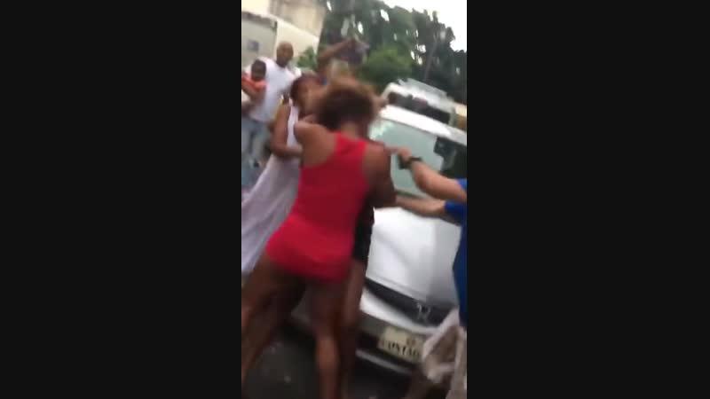 Fuerte La mejor pelea callejera entre mujeres dominicana