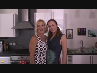 10590572_happy_family_sex_with_mom_and_daughter.mp4