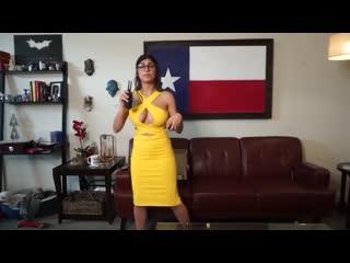 Donna Mizani Clothes Review Mia Khalifa - arab brunette porn star