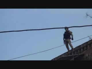 Эксклюзивные кадры спецоперации по ликвидации боевиков ИГИЛ (запрещённая хрень в РФ) в Дербенте 21.04.18