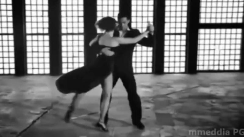 Танго, очень сексуально танцуют. Очень зрелищное видео танго. Смотреть обязатель