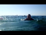 подводное купание на море