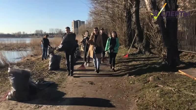 Более 100 петербуржцев вышли на уборку Ивановского карьера