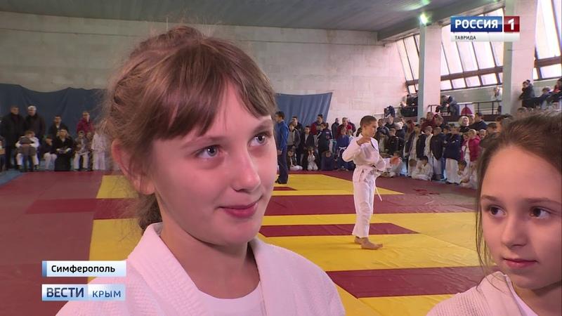 Предновогодний турнир среди маленьких крымчан дзюдоистов определили сильнейших