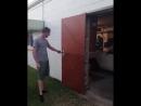 Дверь, которая открывается очень необычным способом