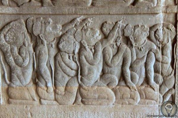 Нашими предками были потомки ариев и обезьян Многие, в том числе и профессор В.Рагаван из университета индийского города Мадраса, считают, что герои знаменитого эпоса «Махабхарата» арии, и наши