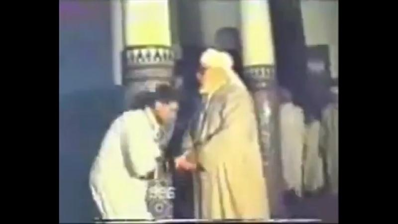 Шейх 'Абдуль-'Азиз Аль Гумарий читает зикр с телодвижением