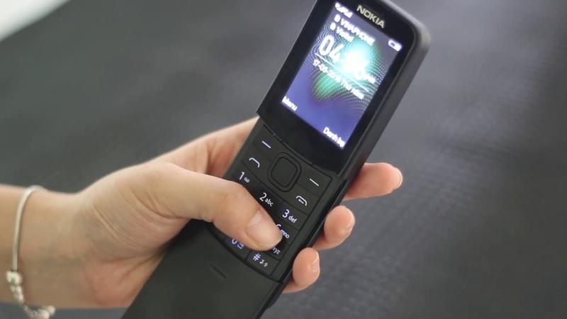 Điện thoại nokia 8110 kiểu dáng độc đáo