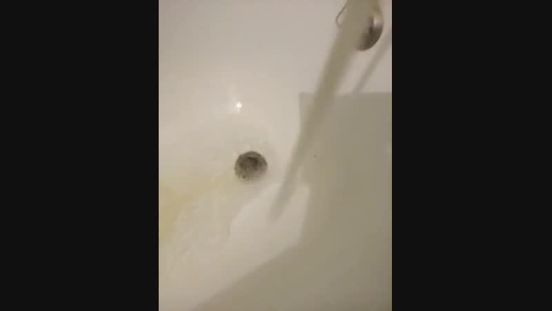 Люди жалуются на воду