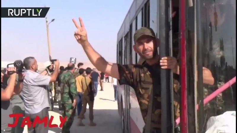فيديو من وصول الحافلات التي تقلّ أهالي من الفوعة وكفريا إلى معبر العيس الحمدلله ع سلام