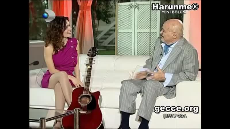 Nil Karaibrahimgil fileli çoraplarıyla cok hoş - YouTube