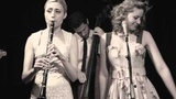 Tu Vuo' Fa' L'Americano - Hetty &amp the Jazzato Band